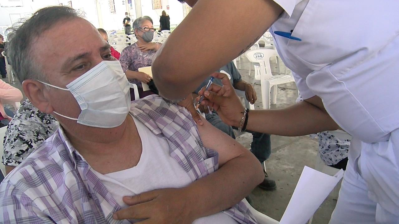 Inicia Frontera con la segunda dosis de la vacuna anticovid para adultos mayores