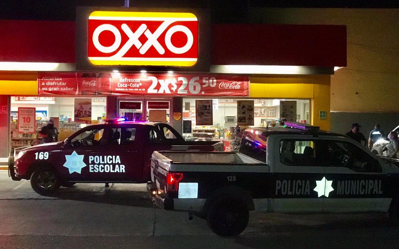 Policiaca: Asalto a mano armada OXXO Mónaco en Monclova