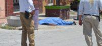 Policiaca: Lo mata infarto fulminante, regresaba de la tienda con su esposa; en Zona Centro de Frontera
