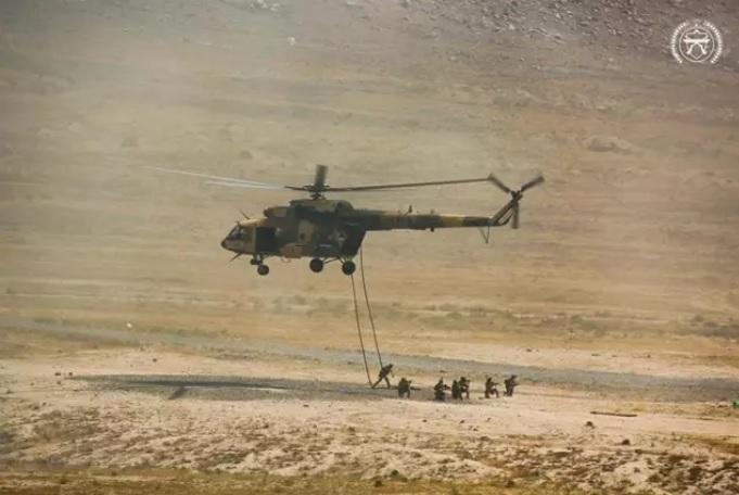 Policiaca: Mueren tres militares del Ejército tras estrellarse helicóptero