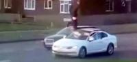 Conductor se da a la fuga tras atropellar violentamente a un hombre