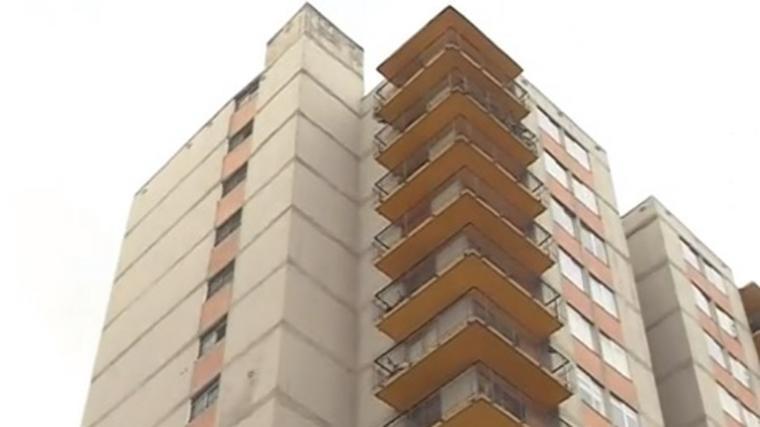 Una niña de 2 años perdió la vida tras caer del décimo piso de un edificio