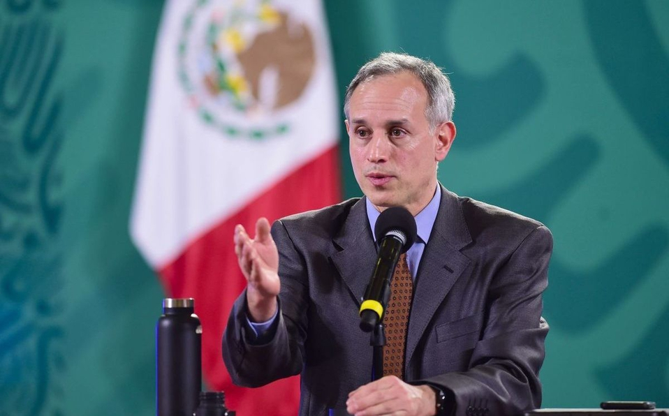 Vacuna de AstraZeneca se seguirá aplicando en México; ha provocado trombosis en otros países