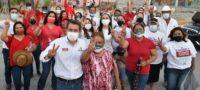 Hugo Lozano penetra en el electorado tocando puertas