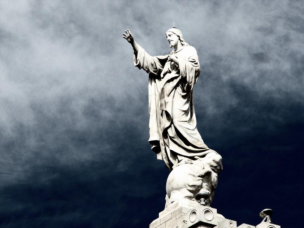 Niña perdió la vida tras ser aplastada por una estatua