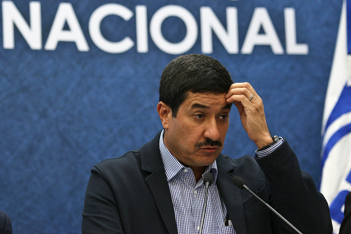 Familia LeBarón denuncia ante la FGR al gobernador de Chihuahua