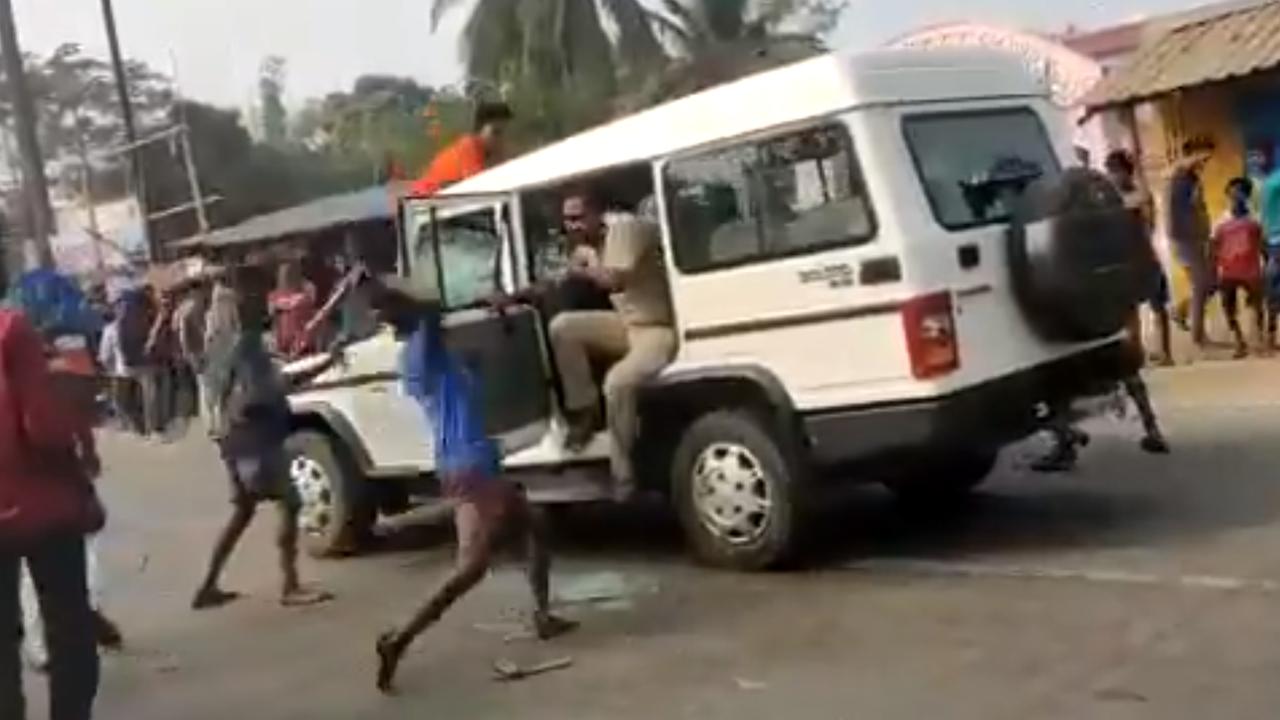 Habitantes de la india estallan en contra de la policía ante la injusticia que se vive por la pandemia