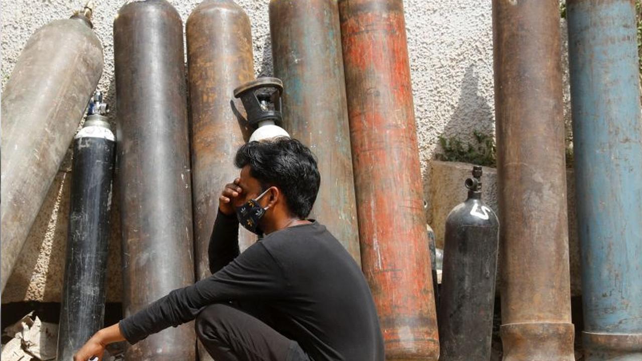Indígnate: Estafadores buscan vender tanques de oxígeno falsos en India