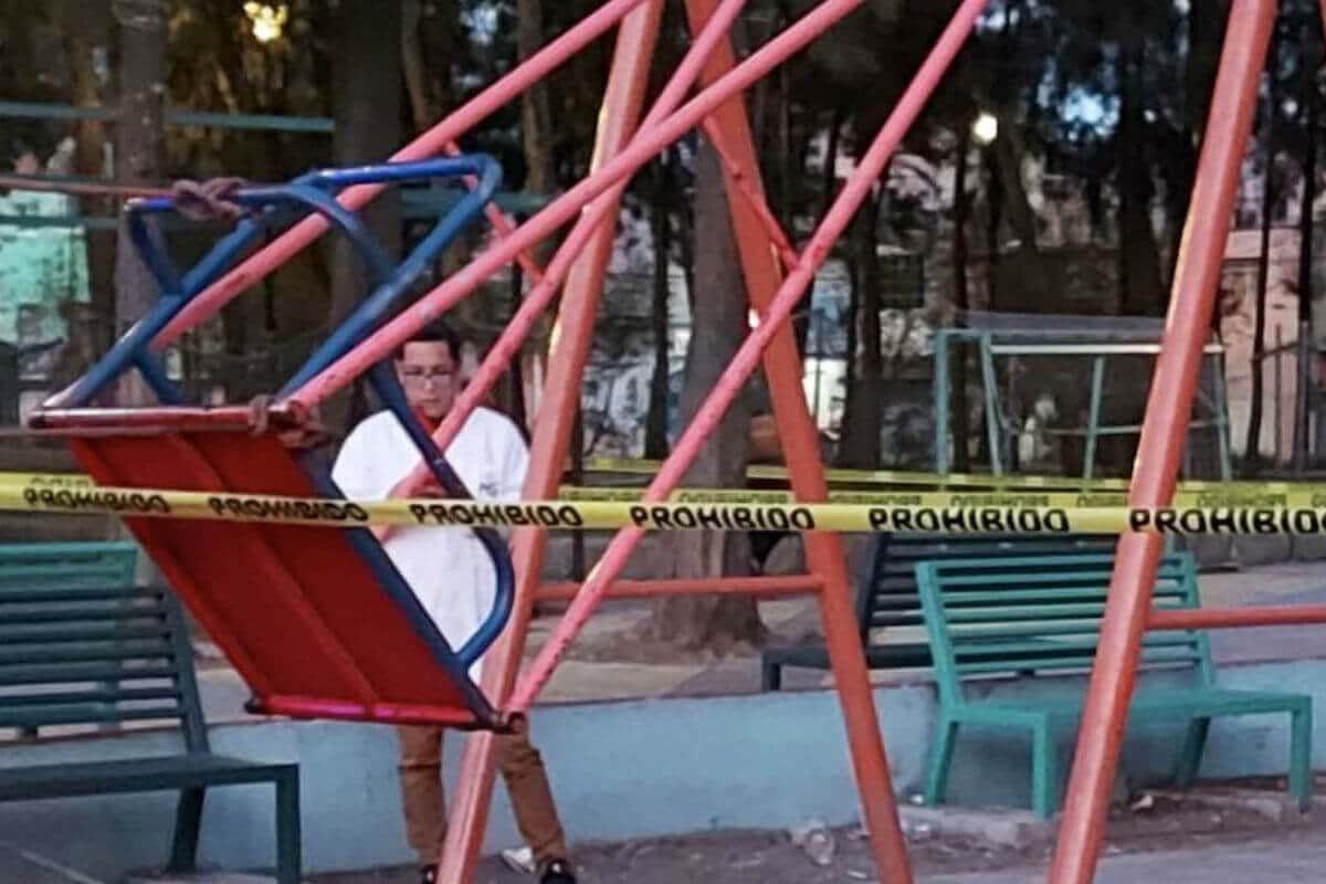 Policiaca: Niñito de 9 años muere en pleno parque; un golpe de columpio le cobró la vida