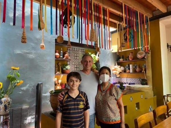 Tunden en redes sociales a López Gatell; de vacaciones y sin cubrebocas