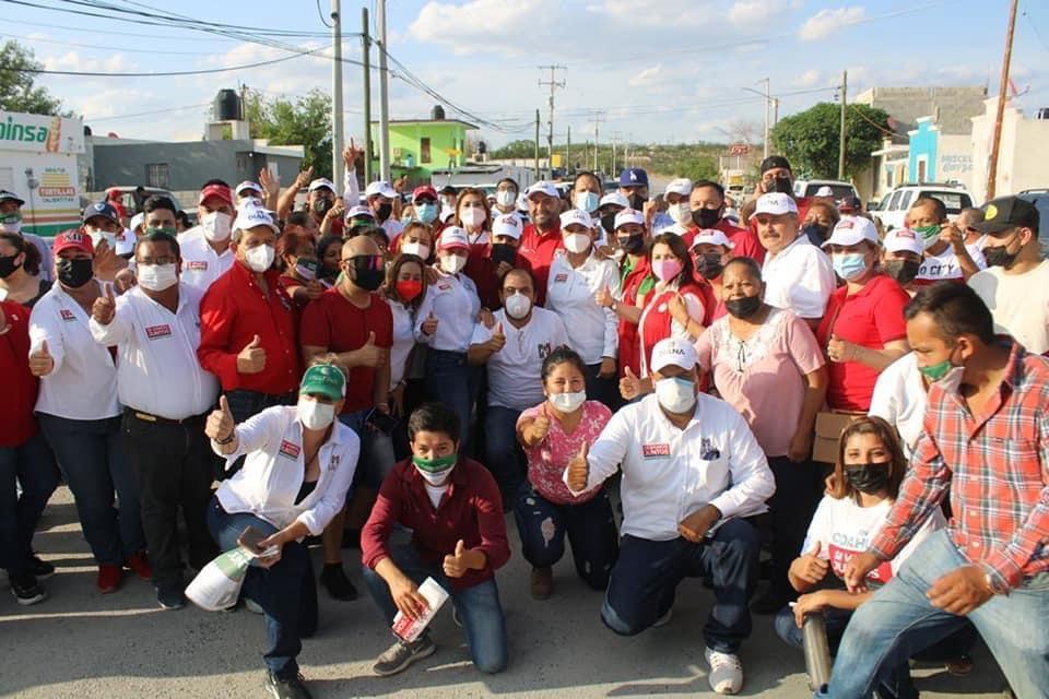 Manifiesta Sabinas apoyo a Cristina