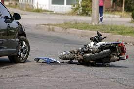 Policiaca: Familia cae de motocicleta y bebé de 2 meses muere arrollada por camión