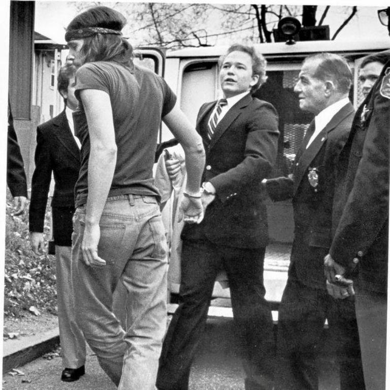 Arne Cheyenne Johnson fue detenido el 16 de febrero de 1981 por homicidio