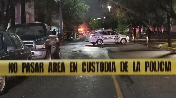 Hombres armados asesinan a 4 personas dentro de un domicilio