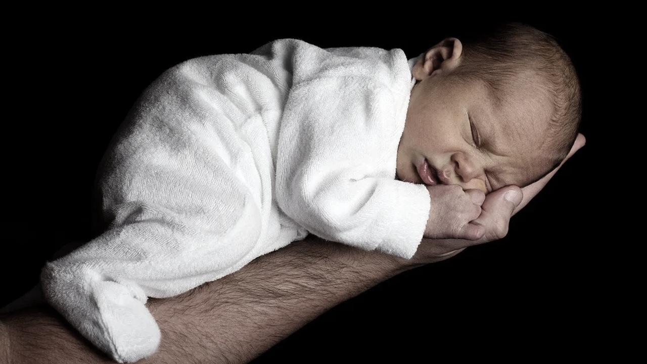Mamá ofrece su bebé a narcos como garantía; les debía una gran suma de dinero
