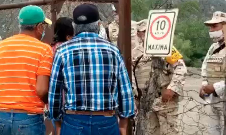 Familiares de mineros de Múzquiz piden verlos una última vez; entrarán al terreno de la mina