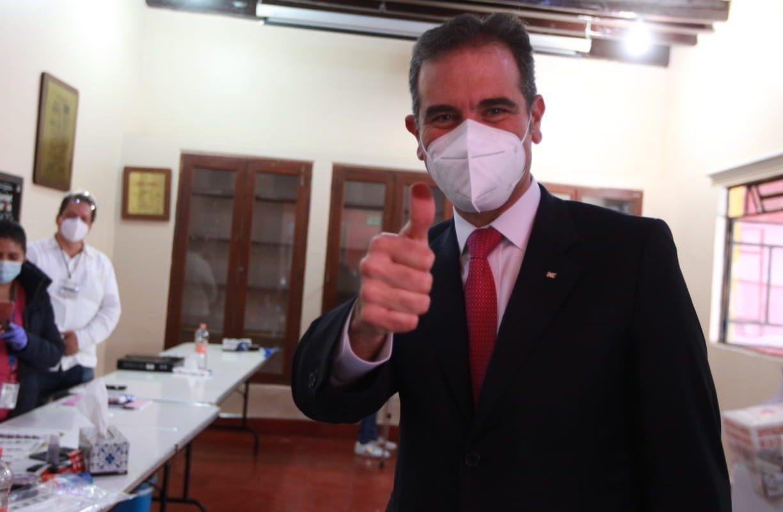 Ejercí mi derecho: Acude Lorenzo Córdova a votar
