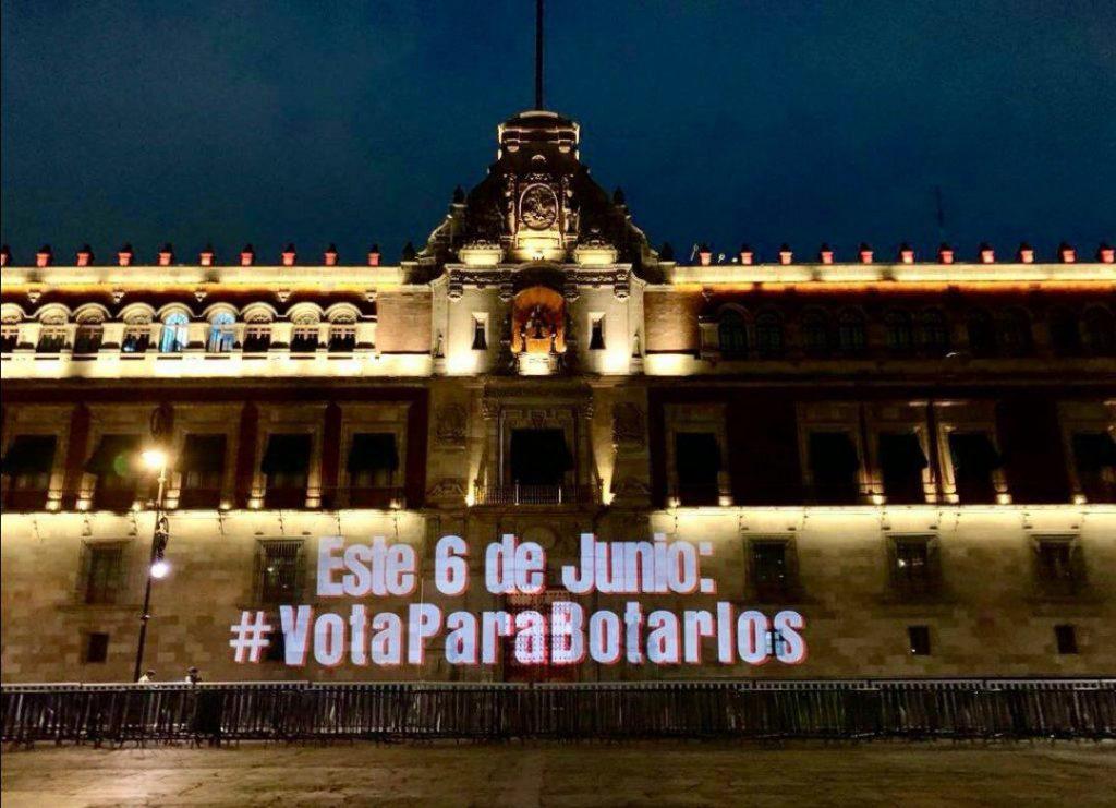 #VotaParaBotarlos