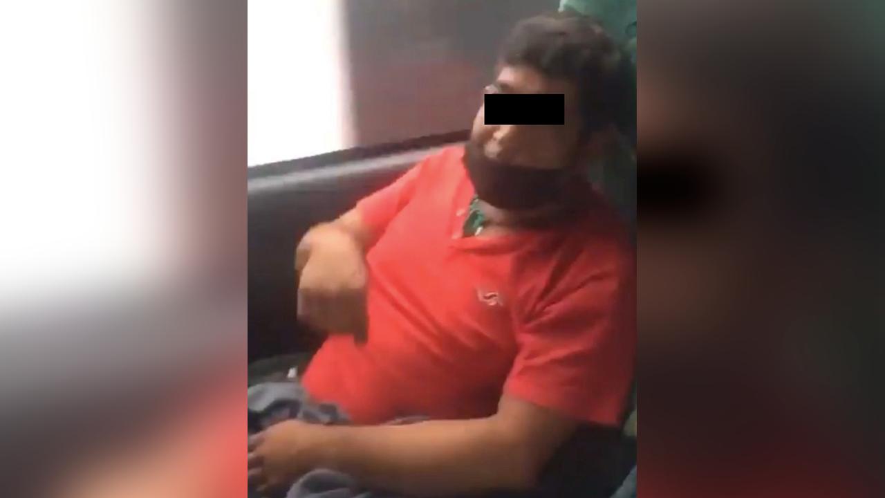 Policiaca: Hombre se masturbaba mientras viajaba en autobús; es grabado por su víctima