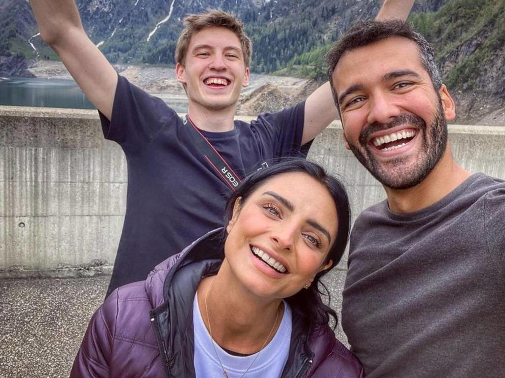 Aislinn Derbez despeja dudas sobre romance con Jonathan Kubben
