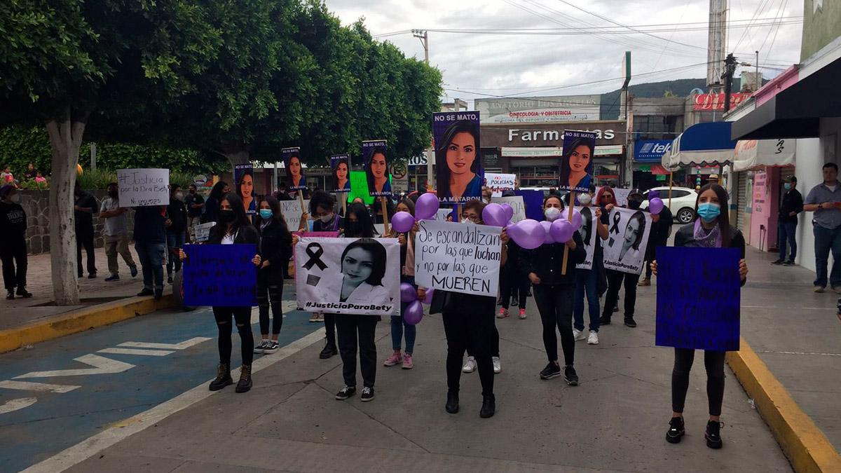 No a la brutalidad policial: Médicos piden justicia por la doctora Beatriz Hernández