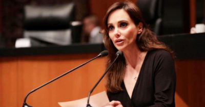 AMLO vive de la ignorancia: Lilly Téllez afirma que el que apoya la 4T no tiene estudios