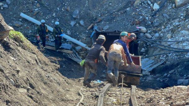 Un compañero nos advirtió y no le creímos; minero de Múzquiz vio morir a su papá