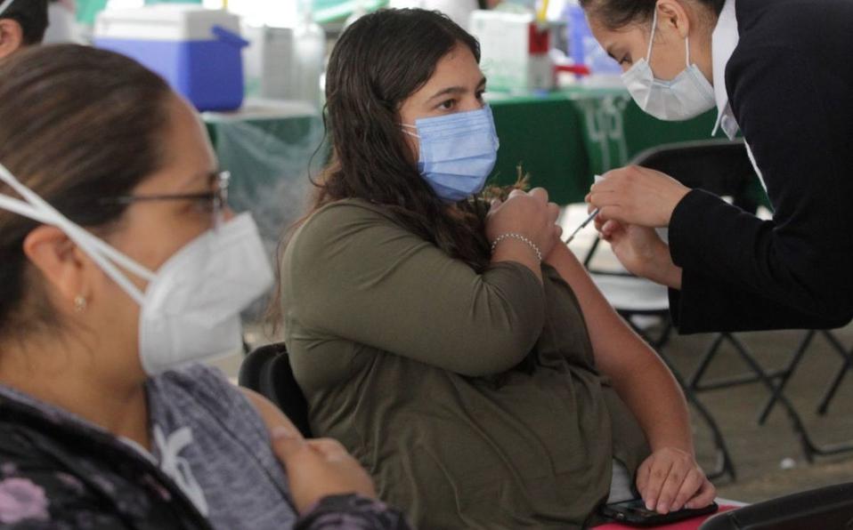 Efectos secundarios solo en mujeres al vacunación contra covid-19
