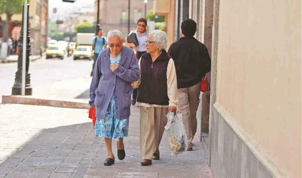 Pensión para adultos mayores aumentará en julio y agosto
