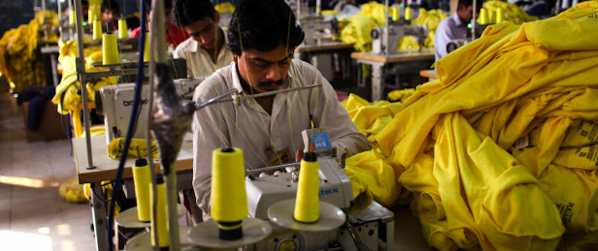 Baja 0.7% la producción de la mano de obra en México por COVID