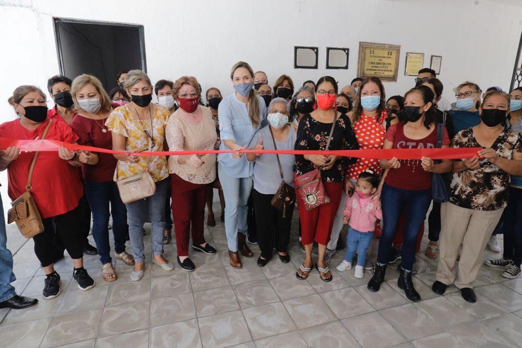Cumple compromisos diputada Edna Dávalos en Parras de la Fuente