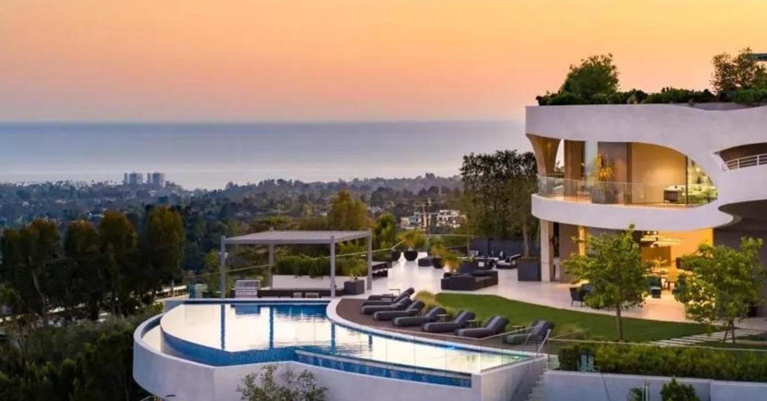 Travis Scott compra nueva mansión dañada por incendio