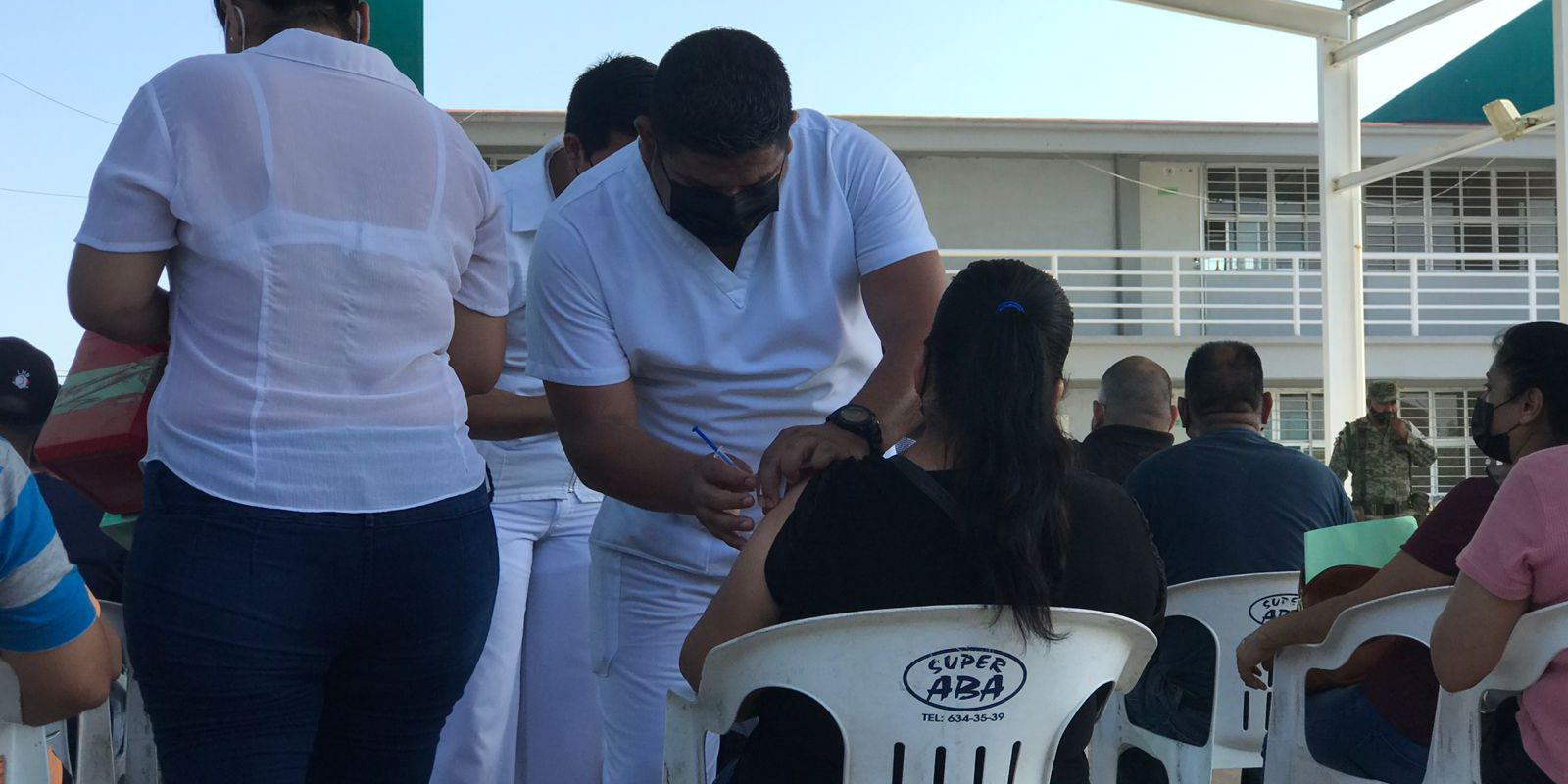 Vacunan segunda dosis anticovid a personas de 40 a 49 de Frontera