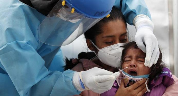 Reportan a tres niñas internadas por COVID en Saltillo; descartan alza de caso en menores