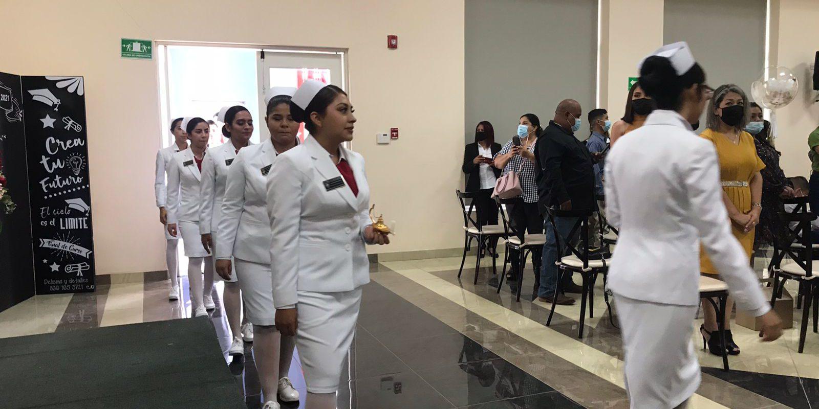 Entrega 49 egresados escuela de Enfermería de la Cruz Roja Monclova
