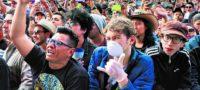 Más de mil contagiados de Covid en festival experimental: No es seguro asistir a eventos masivos