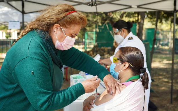 COVID ataca de nuevo a vacunados en Coahuila; médico confirma 20 recontagios