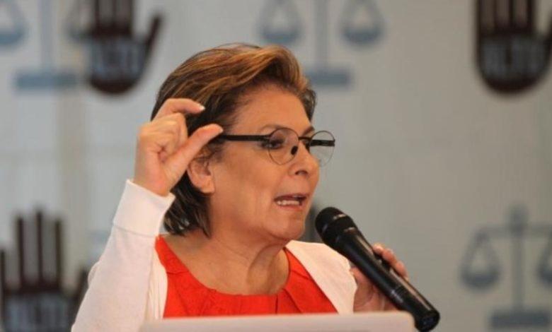 Isabel Miranda de Wallace habría presentado pruebas falsas sobre homicidio de su hijo; FGR la investiga