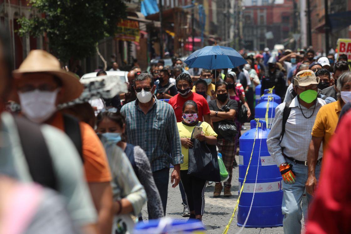 OPS alerta por aumento de contagios COVID-19 en México; llama a extremar precauciones en el verano
