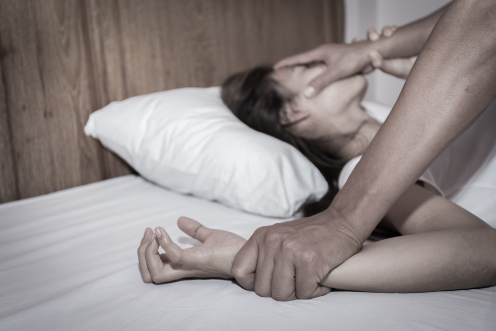 Viviana emborrachó a una menor y dejó que su esposo la violara; la víctima era un familiar