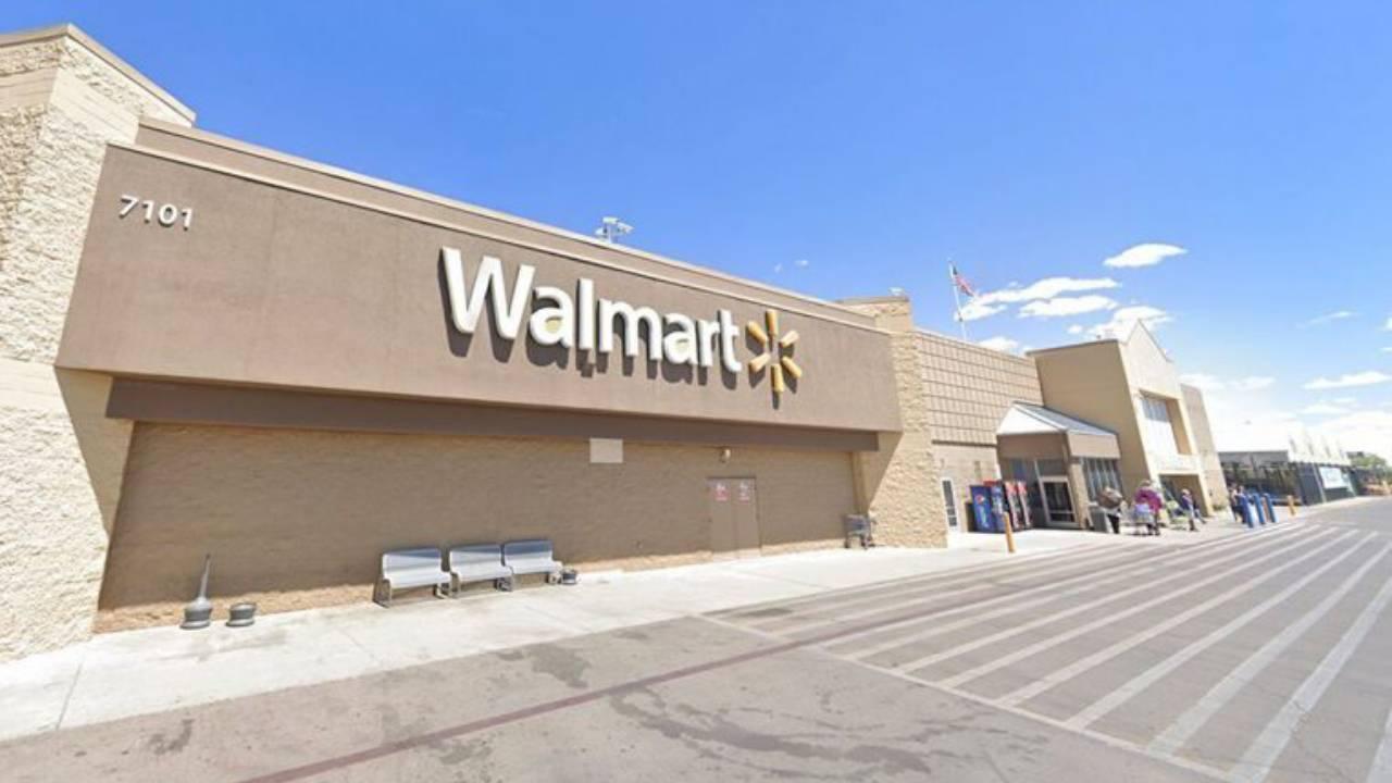 Mujer demanda a Walmart de Laredo, Texas por 1 millón tras ser golpeada con la puerta