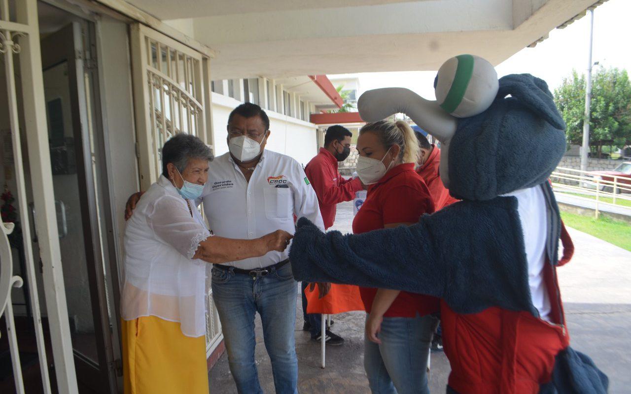 Fundación Oyervides y CROC entregan alimento al Asilo de Ancianos de Monclova