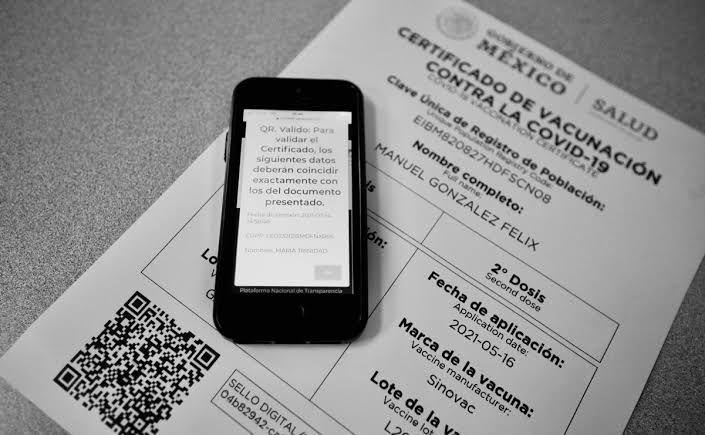 Surge mercado negro de certificados de vacunación anti-Covid
