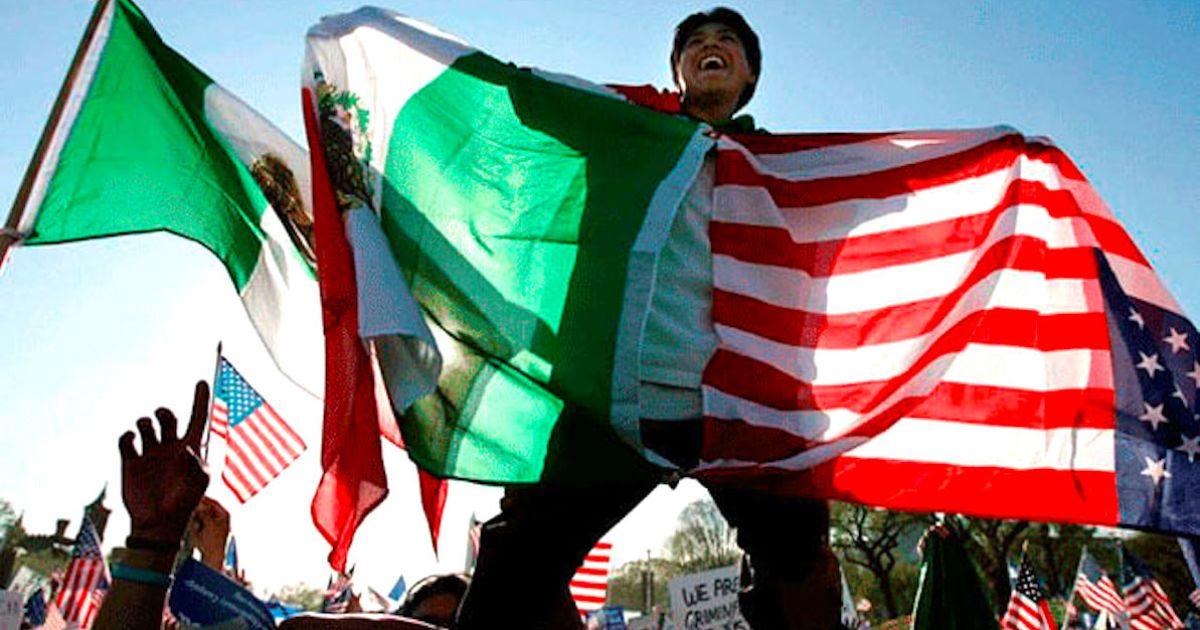 Mexicanos en EE.UU. se pagaron solos tratamiento COVID y siguieron trabajando: BBVA