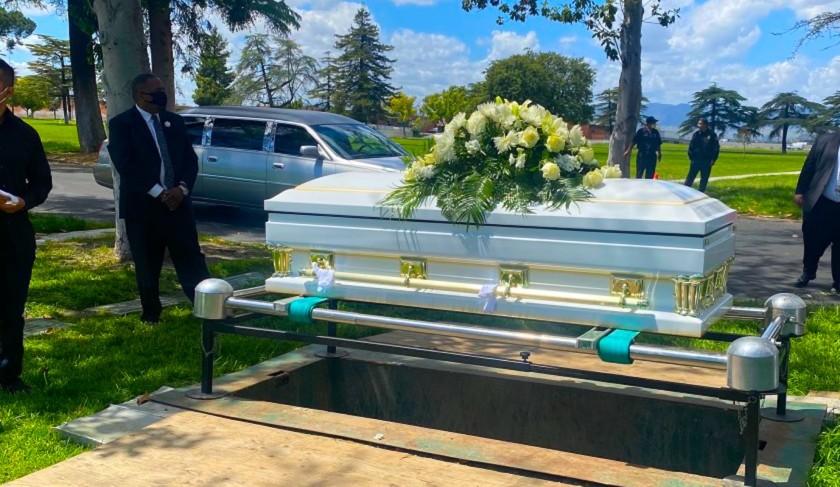 Covid-19 tumba una década de esperanza de vida