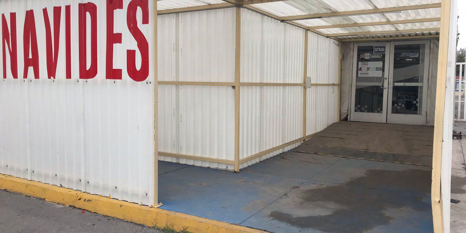 Cerrado el Hospital Móvil a un costado del hospital Amparo Pape de Monclova, pendiente de reparar clima