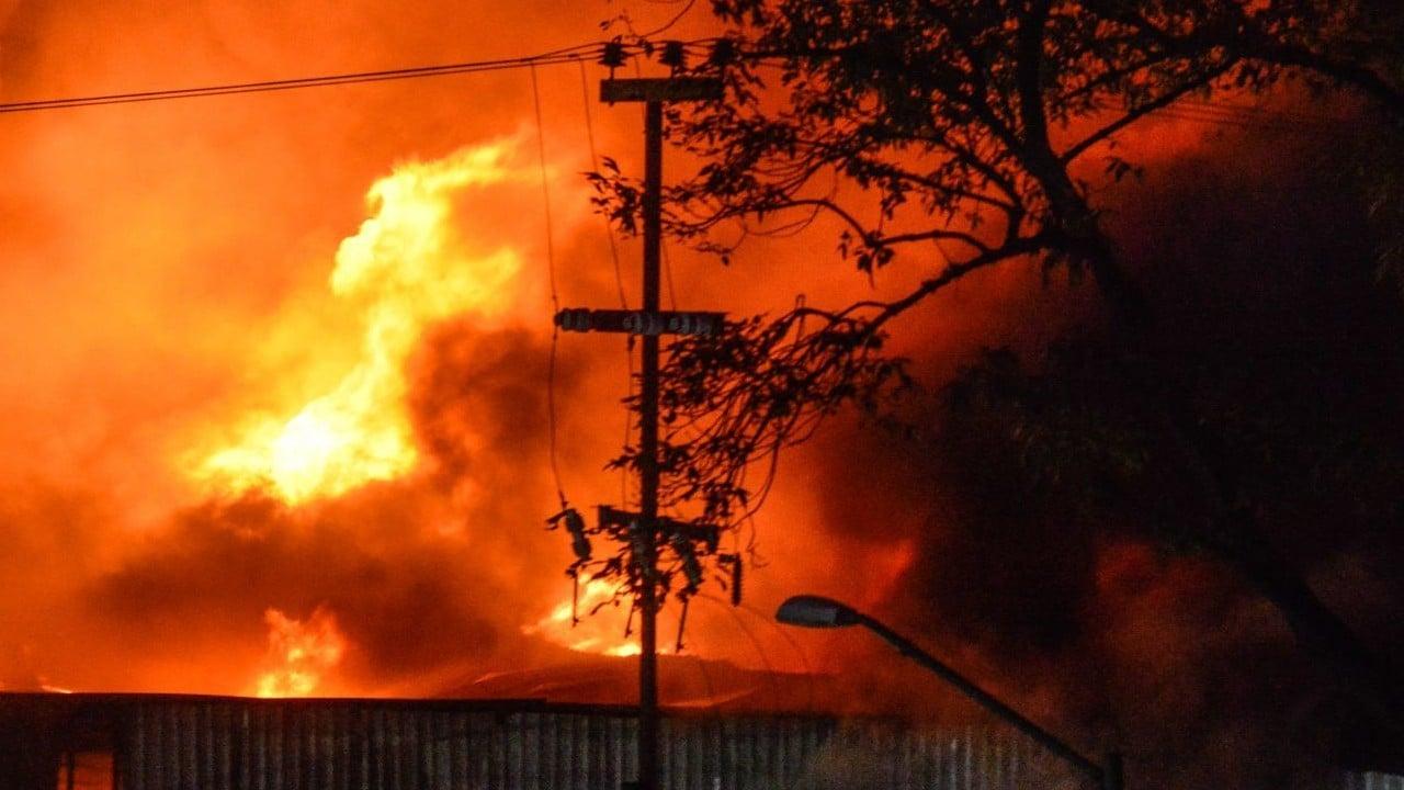 Mujer incendia casa con su marido dentro en Sonora