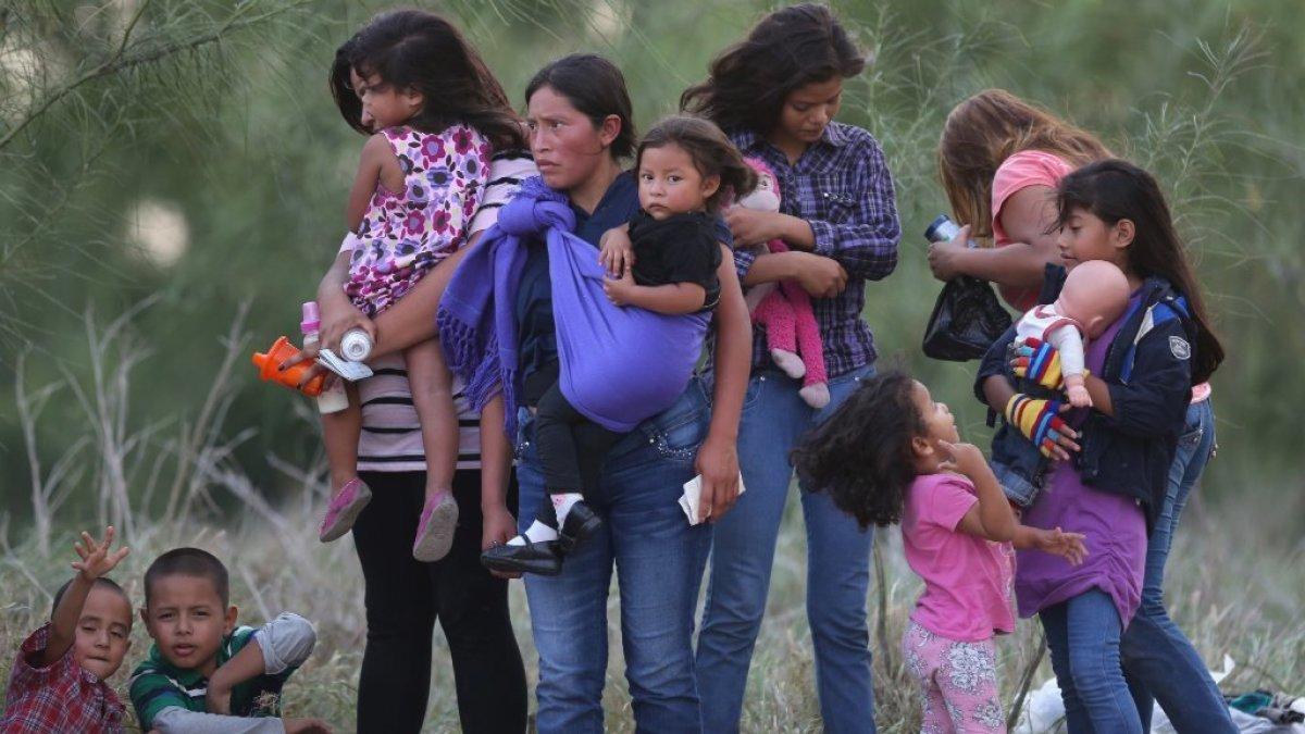 'Coyotes' prostituyen a migrante: La amenazaron con matar a su hijito de 4 años