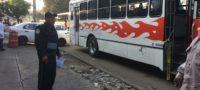 Delincuente murió a manos de su víctima: Un pasajero le disparó durante un asalto