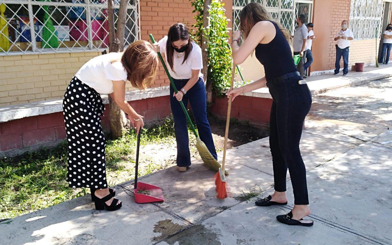 Encabeza cultura Coahuila jornada de limpieza en la escuela 'Urbano Flores', en Saltillo